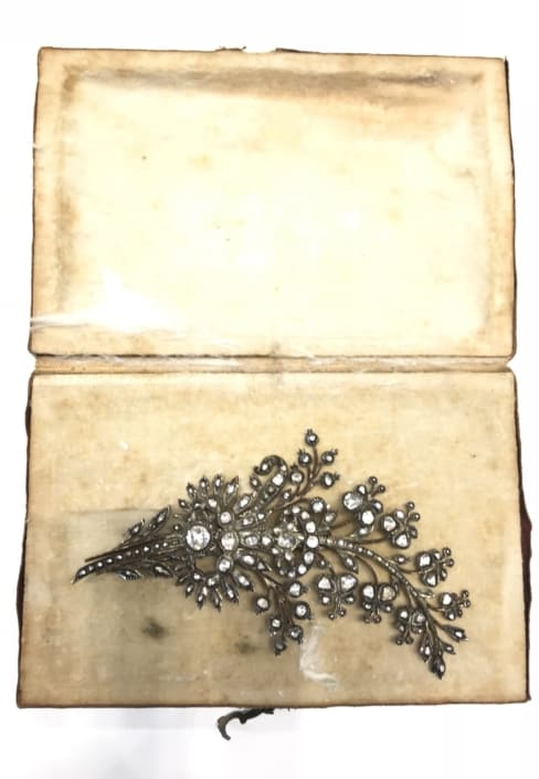 Παλαιά γνήσια , καρφίτσα , κλαδί δέντρου , με διαμάντια Αντίκες & διάφορα