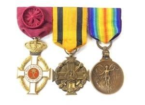 Ελλάδα Μπαρέτα με 3 απονομές / Greece Medal group 3 awards Παράσημα - Στρατιωτικά μετάλλια - Τάγματα αριστείας