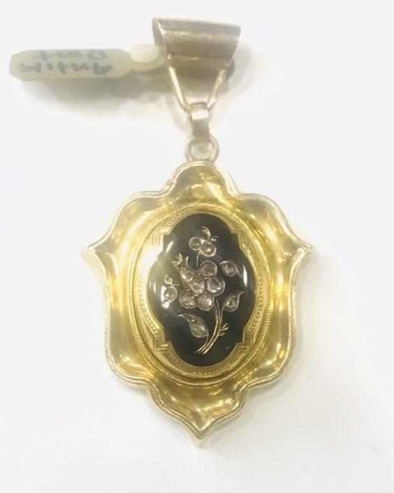 Χρυσό μενταγιόν Κ18 Εκλεκτά Κοσμήματα