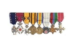 Ελλάς μπαρέτα με 8 μινιατούρες Παράσημα - Στρατιωτικά μετάλλια - Τάγματα αριστείας